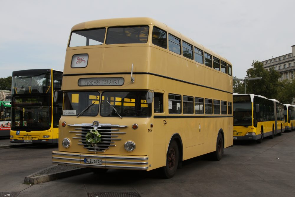 w2d buss Etfa '96 kauai, hawaii november 18-21, 1996 martin buss (technical university of munich session w2d-micromirrors.