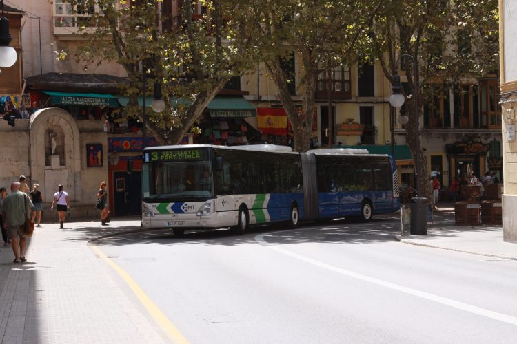 Autobusse in spanien mallorca tenerifa und gran canaria - Transportes palma de mallorca ...